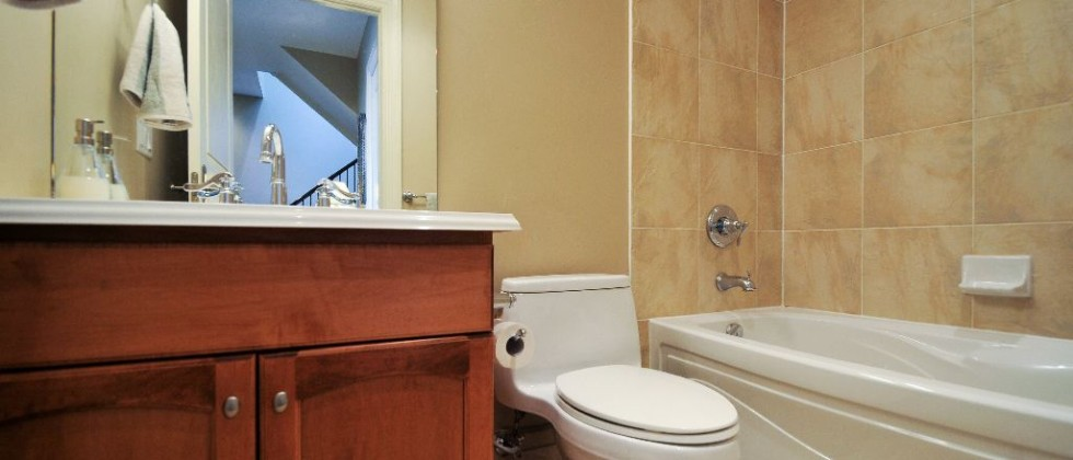 15_greenview_ave_unit_276_MLS_HID1027637_ROOMbathroom1