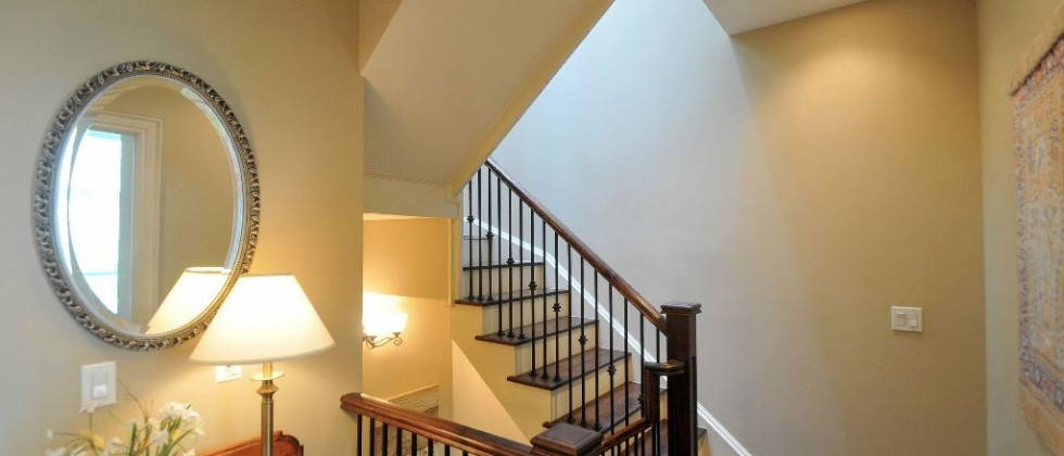 15_greenview_ave_unit_276_MLS_HID1027637_ROOMstairways