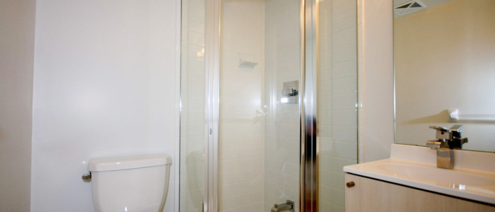 7_5740_yonge_st_MLS_HID815635_ROOMbathroom1-980x420